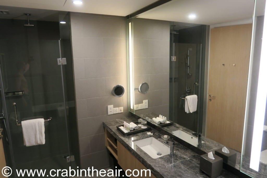 hotel bathroom review