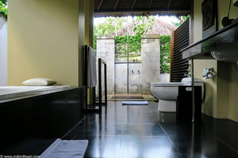 kayumanis private villa bathroom