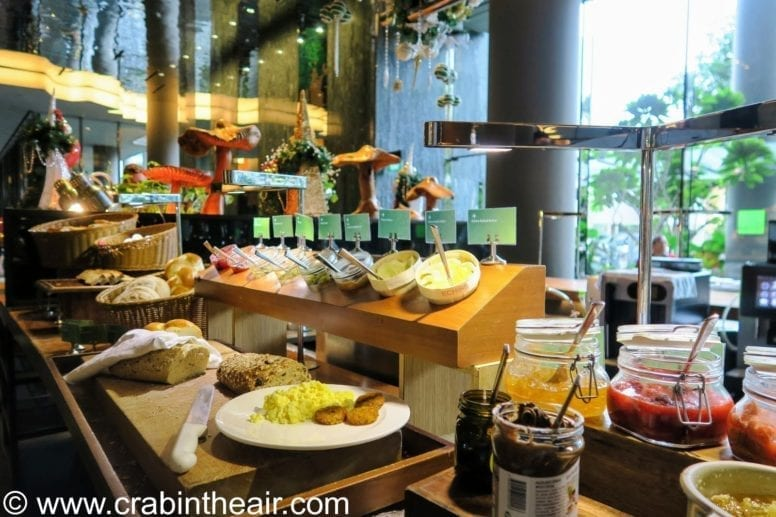 parkroyal on pickering hotel breakfast
