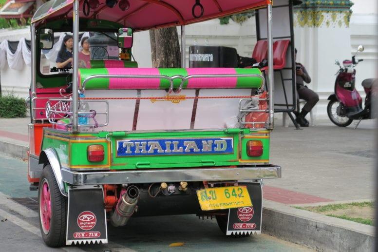 getting around bangkok tuk tuk