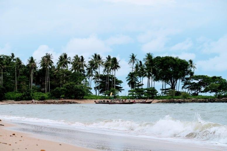 relax beach koh lanta