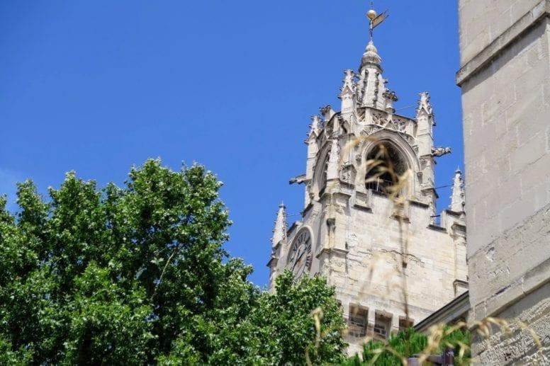 The Place de l'horloge avignon