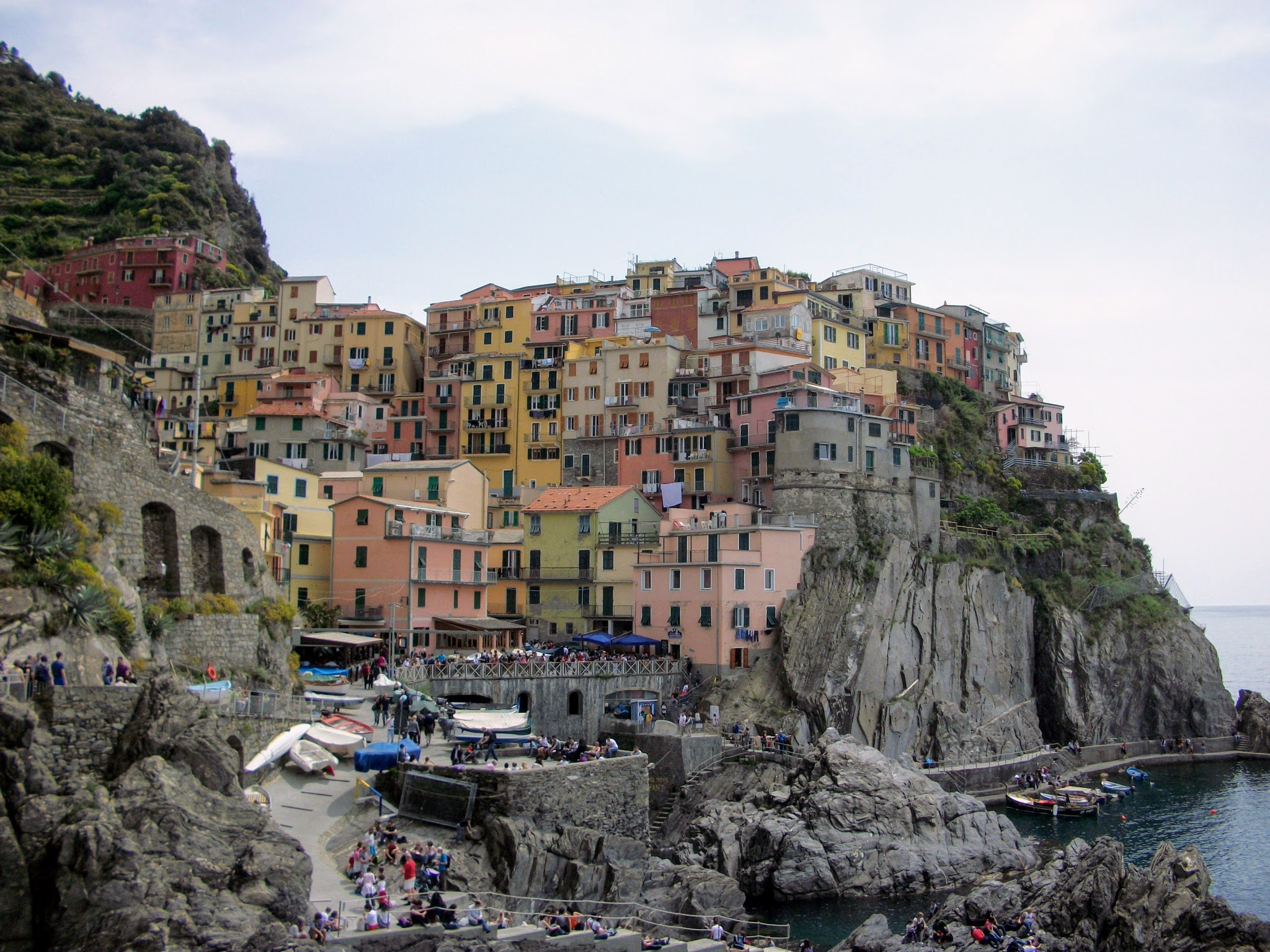 Cinque terre how to get there five villages and hotels for Hotels 5 terres