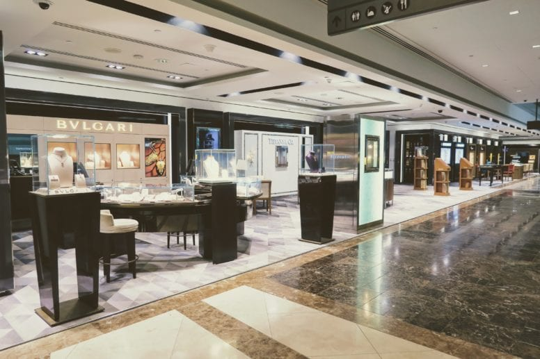 emirates first class lounge luxury shops
