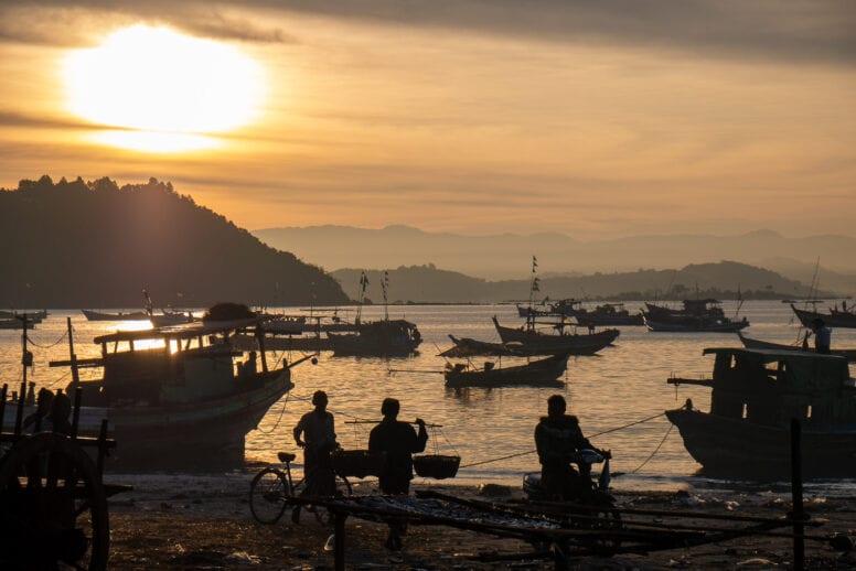 fisherman ngapali beach myanmar