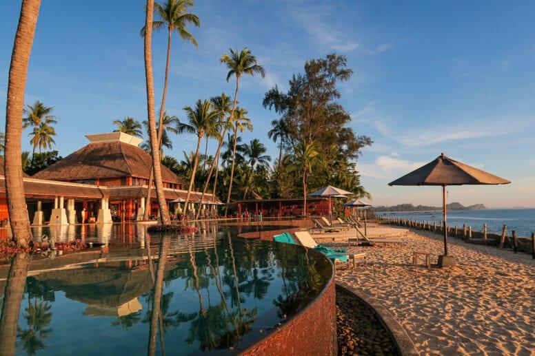 hilton hotel ngapali beach